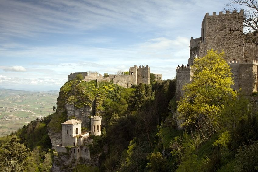 erice sizilien ferien information villa ferienhaus panorama burg felsen berg