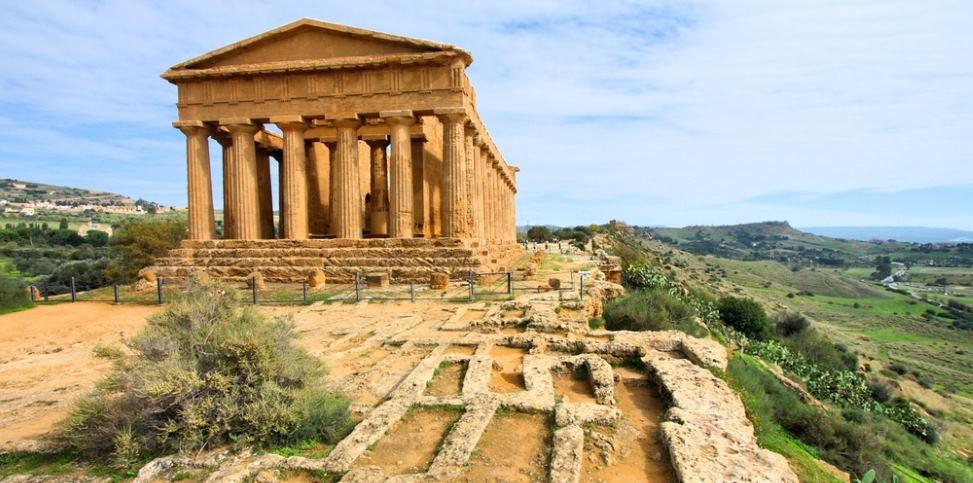 agrigent tempel panorama sizilien ferien guide sizilianische städte sehenswürdigkeiten
