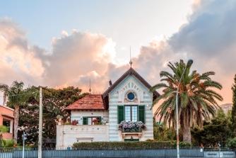 mondello palermo sizilien ferien information villa ferienhaus jugendstielarchitektur haus