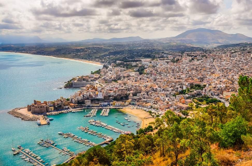 sizilien ferien information castellamere del golfo ferienhaus villa meer strand stadt hafen panorama