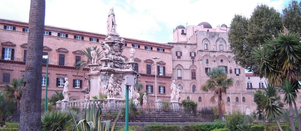 palazzo dei normanni palermo sizilien guide geschichte architektur