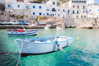 favignana levanzo marettimo sizilien ferien guide sizilianische ägadische egadische inseln meer hafen boote baden