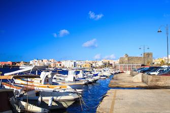 sizilien ferien guide sizilianische inseln pantelleria hafen burg anreise verbindung