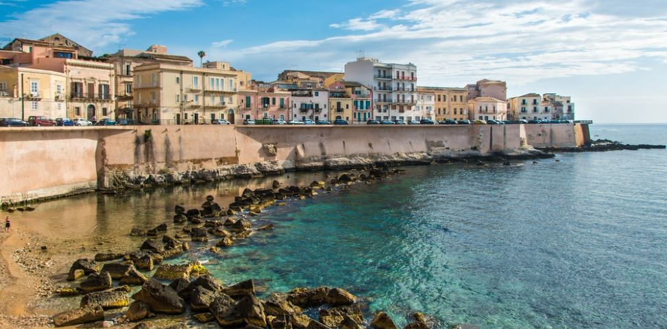 syrakus meer strand sizilien ferien guide sizilianische städte
