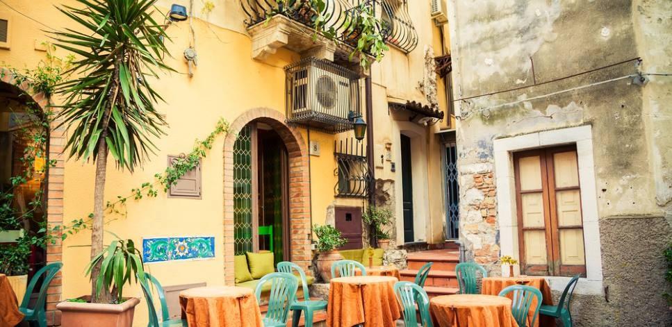 taormina sizilien ferien guide essen gehen restaurant innenstadt