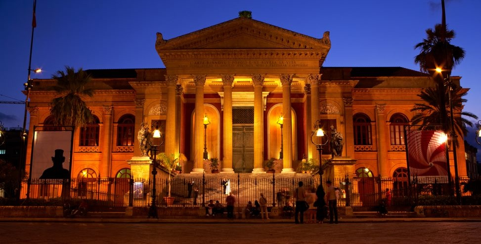 teatro massimo palermo sizilien ferien guide sizilianische städte sehenswürdigkeiten altstadt ferienwohnung